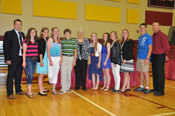 Doris Rolland photo with student council June 2014